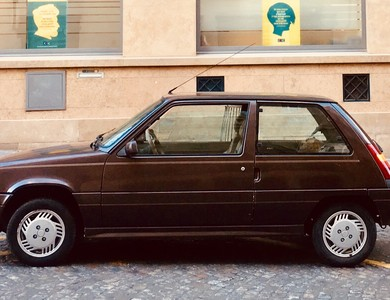 Renault Super 5 Baccara à Lillemer (Ille-et-Vilaine)