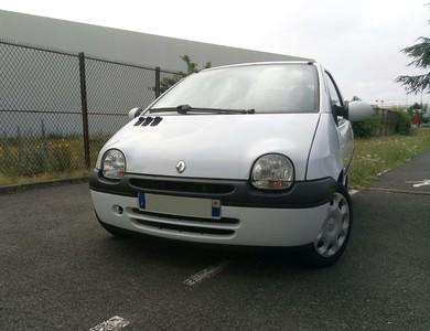 Renault Twingo 1 à Paris (11ème arr.)