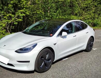 Tesla Model 3 à Annecy (Haute-Savoie)