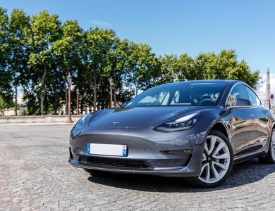 Tesla Model 3 Grande Autonomie à Nanterre (Hauts-de-Seine)