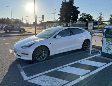 Tesla Model 3 Long Range à Viry (Haute-Savoie)