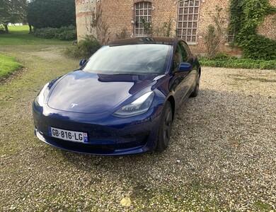 Tesla Model 3 à Paris (10ème arr.)