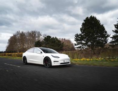 Tesla Model 3 Performance à Lognes (Seine-et-Marne)