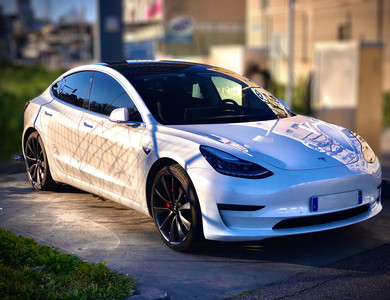 Tesla Model 3 Performance à Marseille (11ème arr.)