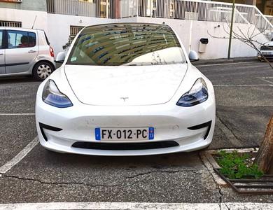 Tesla Model 3 Sr+ à Marseille (12ème arr.)
