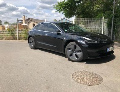 Tesla Model 3 Sr+ (standard Range+) à Méré (Yvelines)