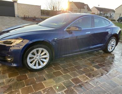 Tesla Model S 100 D à Maulette (Yvelines)