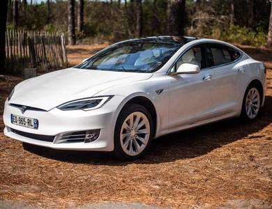 Tesla Model S 100d à Arcachon (Gironde)