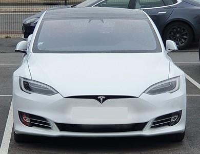 Tesla Model S 100d à Putanges-le-Lac (Orne)