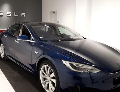 Tesla Model S 60 à Roanne (Loire)