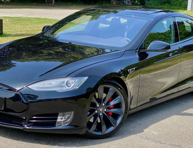 Tesla Model S P85d 700cv Autopilot à Le Muy (Var)