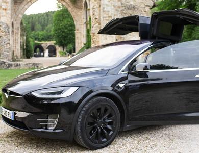 Tesla Model X (salon 6 Places) à Paris (19ème arr.)