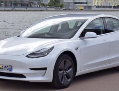 Tesla Modele 3 à Jarny (Meurthe-et-Moselle)