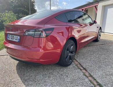 Tesla Modèle 3 à Les Sorinières (Loire-Atlantique)