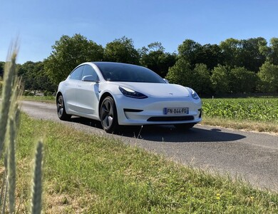 Tesla Model 3 2021 à Questembert (Morbihan)