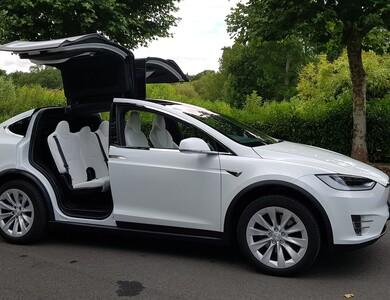 Tesla Model X à Coignières (Yvelines)