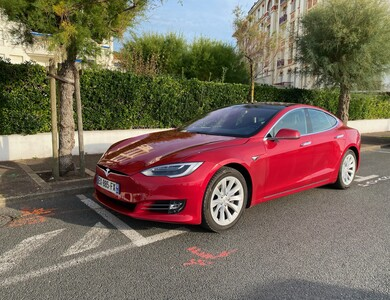 Tesla S75d à Urrugne (Pyrénées-Atlantiques)
