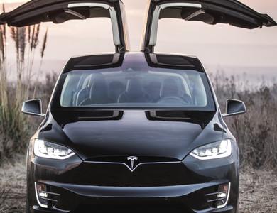 Tesla X à Auriol (Bouches-du-Rhône)