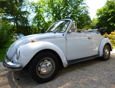 Volkswagen (vw) Coccinelle Cabriolet à Vaulx-en-Velin (Rhône)