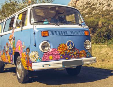 Volkswagen (vw) Combi Van T2 à Saint-Rémy-de-Provence (Bouches-du-Rhône)