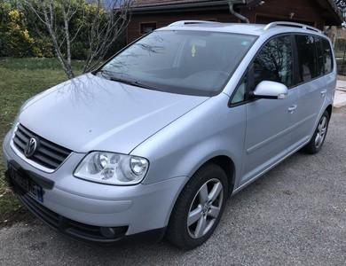 Volkswagen (vw) Touran à Cessy (Ain)