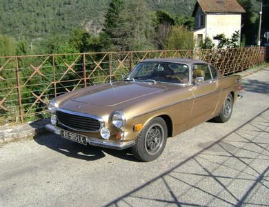 Volvo P1800 à Les Ollières-sur-Eyrieux (Ardèche)